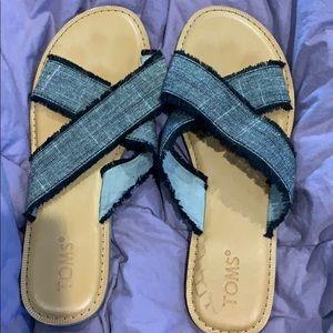 Black denim frayed sandals by Toms